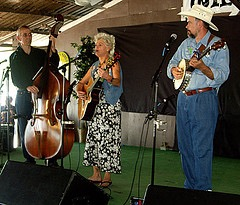 Sue Grooms and band